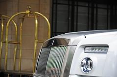 Rolls-Royce Phantom Drophead Coupé (Robin Kiewiet) Tags: uk white london cars robin car photography nikon britain united great kingdom rollsroyce s automotive l british rolls phantom luxury coupe dorchester royce luxe 62 57 coupé hyperion v12 ewb maybach 675 2011 100ex lwb kiewiet drophead 101ex worldcars d300s