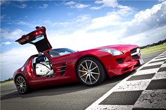 David Coulthard and Mercedes SLS versus GT5 gamers