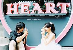 Film x Lomo Pre-Wedding Photo- Feng ❤ Mei*9 (Twiggy Tu) Tags: portrait film taiwan taipei 2011 contaxrx preweddingphotography 婚紗攝影 carlzeissdistagont35mmf14 virginiatwiggyphoto