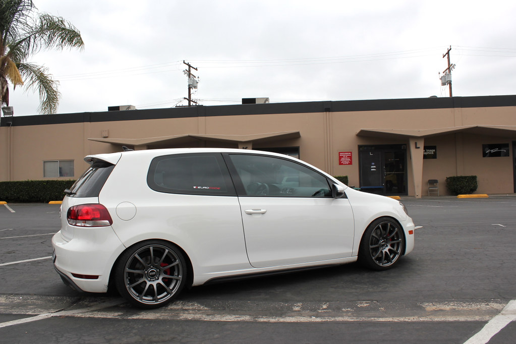 Volkswagen GTI MK6 on VMR V701 › Blog › WheelFlip.com