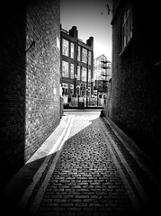 Hackney Down Streets B&W (Alvaro Arregui) Tags: pictures street uk greatbritain urban london mobile lens gente crossprocess movil filter fotos falcon londres mobilephone urbano alvaro freeman iphone iphonography alvarofreeman goldenmasterpiece iphoneography hisptamatic