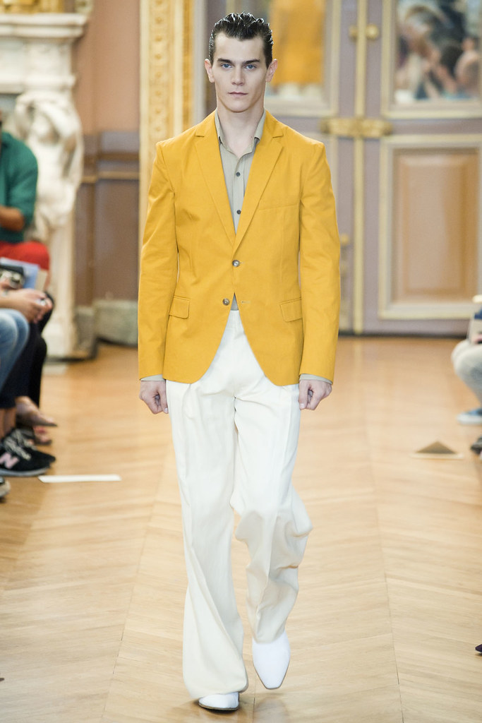 Vincent Lacrocq3096_SS12 Paris Roland Mouret Mr(VOGUEcom)