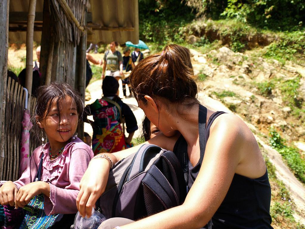 De charla con las niñas de sapa