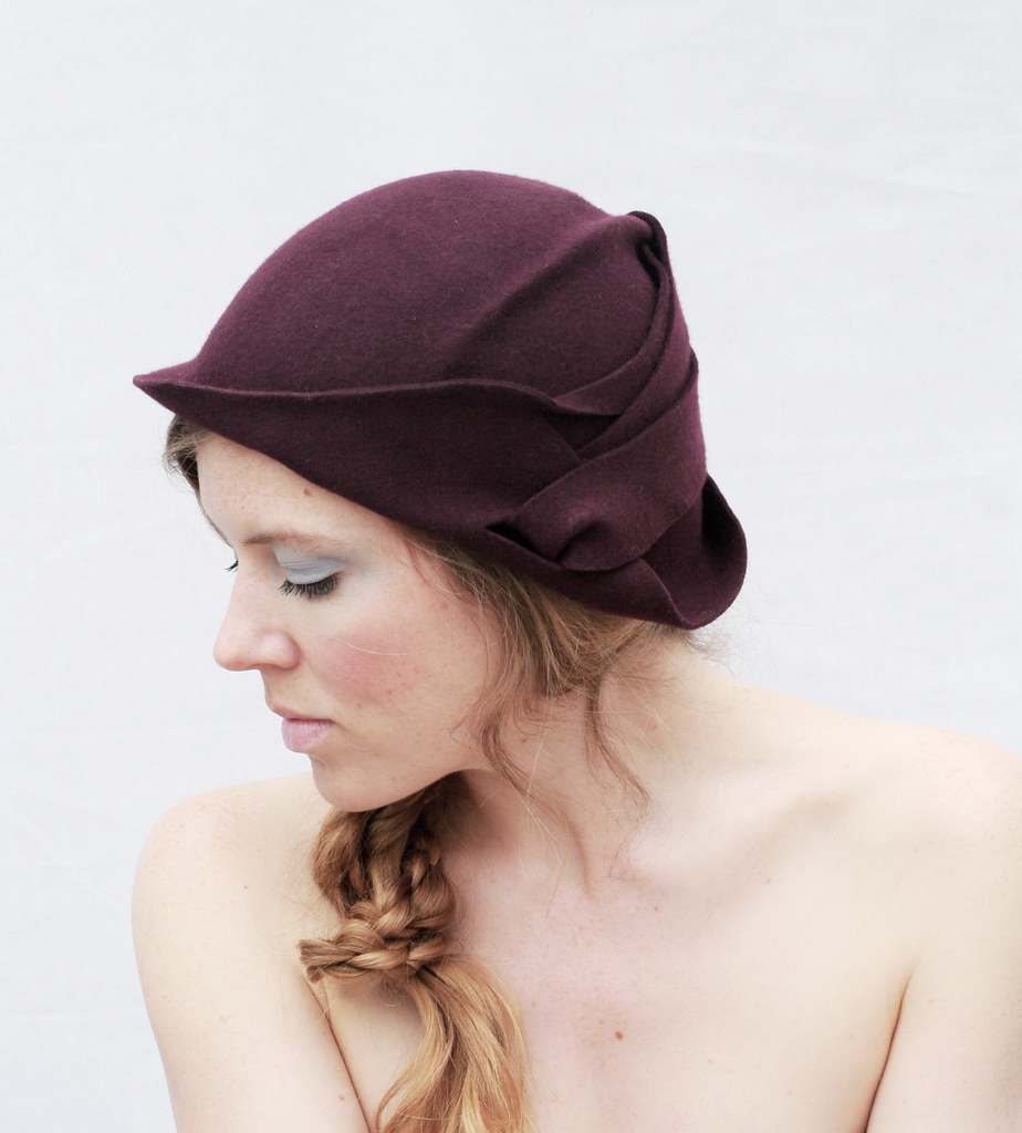 c41f44dbd2a A W 2011 (Maggie Mowbray) Tags  hat hats accessories milliner burlesque  tramp