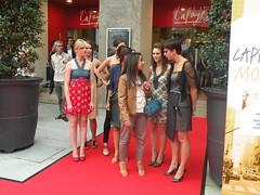 dfil du 17 sept 066 (Galeries Lafayette) Tags: grand du plus monde angers dfil 2011 granddfilangers2011