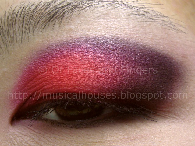 halloween eye look red black 4