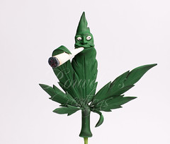 Marijuana Cake Topper (Rouvelee's Creations) Tags: birthday polymerclay caketopper marijuana figuremodelling rouvelee