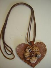 romantico (Divina Arte Acessrios em Couro) Tags: fuxico bracelete colar pulseira headband acessrios couro bolsadepalha acessriosemcouro