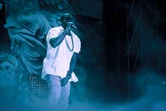 Kanye gir alt på scenen