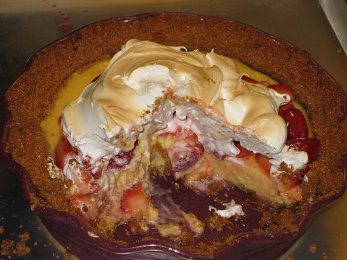"""Sliced"" strawberry lemondae ice box pie"