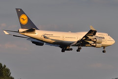 Lufthansa - Boeing 747-400 - D-ABVC - Baden-Wurttemberg - John F. Kennedy International Airport (JFK) - July 15, 2011 3 345 RT CRP (TVL1970) Tags: nikon nikond90 d90 nikongp1 gp1 geotagged nikkor70300mmvr 70300mmvr aviation airplane aircraft airlines airliners johnfkennedyinternationalairport kennedyairport jfkairport jfkinternational jfk kjfk themounds dabvc lufthansa badenwürttemberg badenwurttemberg n472mc atlasair boeing boeing747 boeing747400 b747 b744 747 747400 747430 generalelectric ge cf6 cf680 cf680c2b1f jumbojet