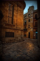 Tarraco (Neticola) Tags: old streets dark spain catalunya narrow tarragona tarraco d7000 neticola
