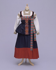Women's costume from Italy - 1931M968.85