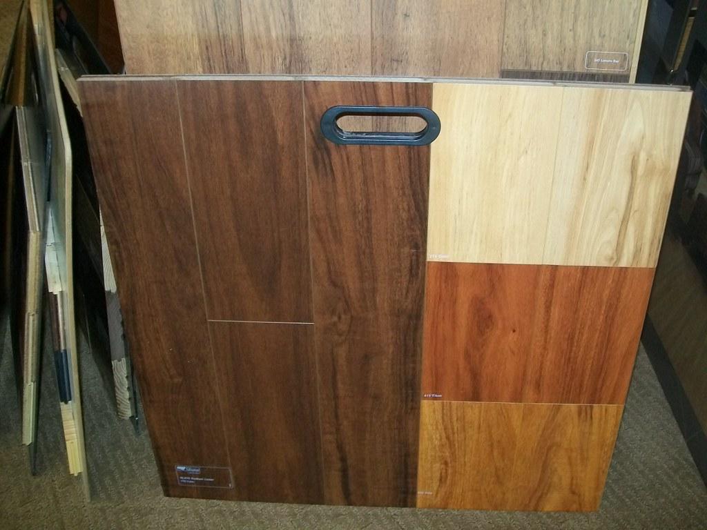Shaw Laminate Flooring - Sample 1