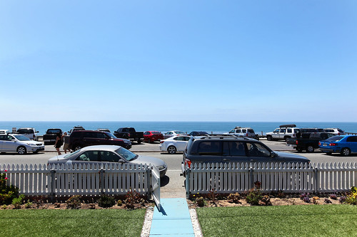 Situated across from beautiful Beacons Beach