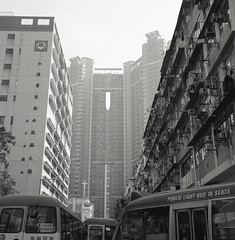 Hong Kong 2011 (BckWht) Tags: rolleiflex hongkong 香港 tmax100 35e tsuenwan 荃灣 xenotar