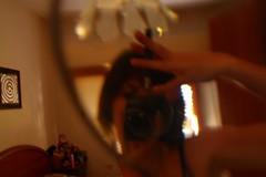 (vairgia) Tags: mani lente viso specchio gioco ingrandimento