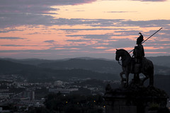 City guardion (tlalves) Tags: city sunset mountain portugal statue landscape flickr braga bomjesus oversee
