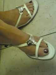 Waiting for the doctor (9) (An hot guy) Tags: woman feet toes legs sandals candid skirt flipflop barefeet mules dangling crossedlegs paintednails sabot shoeplay