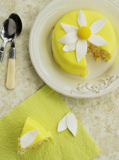 daisy miny cake