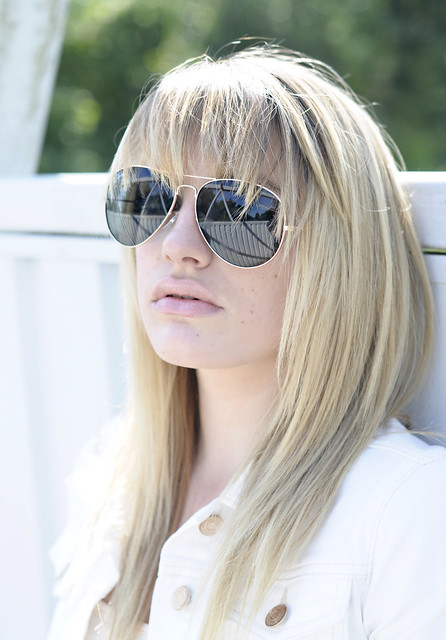 Lily_Cool_Shades