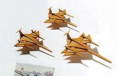 "Origami création - Didier Boursin - Avions ""escadrille"""