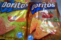 Oof (John 3000) Tags: travel food chicken shopping moblog phonecam junk singapore comida chips crisps garlic packaging basil snacks sg tortilla doritos fritolay flavoring