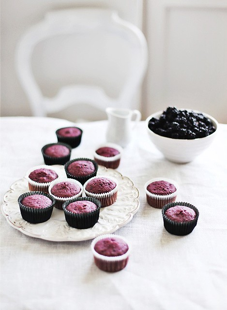 9 Callmecupcake-Unfrosted Blackberry Cupcakes