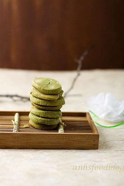 Green tea + white chocolate cookies