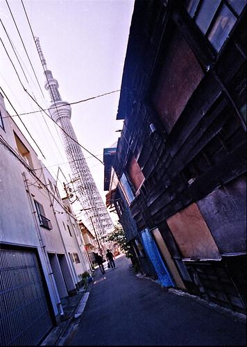 原色の街・驟雨 VI