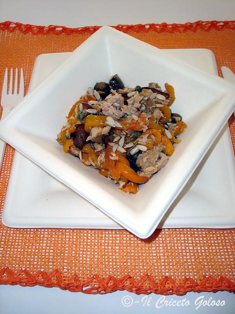Peperoni,cipolline,tonno,semi di girasole