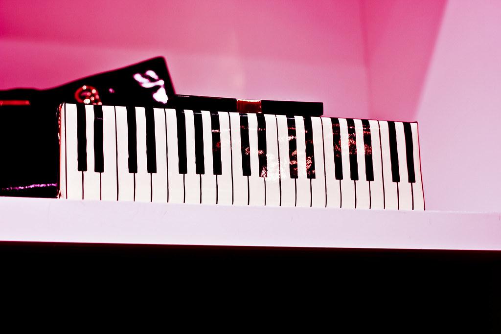 piano clutch
