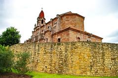 Oviedo, Asturies, Asturias, Espagne, Spain 161 Parroquia de San Pedro de Los Arcos (paspog) Tags: spain asturias oviedo espagne spanien asturies