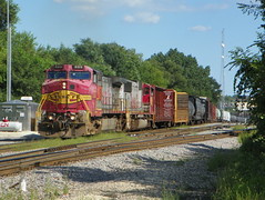 Warbonnet duo (Robby Gragg) Tags: bnsf joliet atsf c449w 689