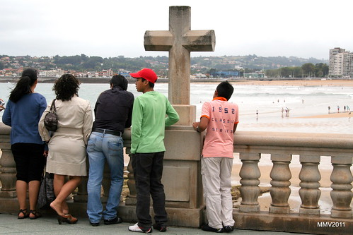 turistas en el muro
