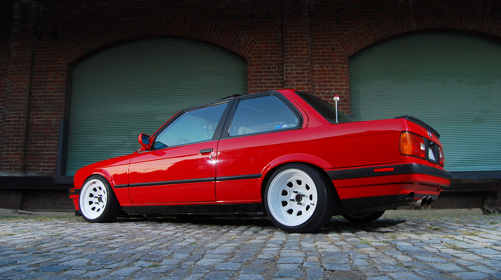 Red Bmw E30 On White Steelies Downtown Richmond Pics