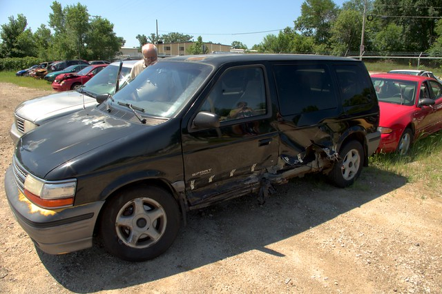 accident dodge caravan 1994 wreck hdr shredded totalled mantiuk mantiuk08