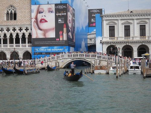 Coping with the Crowds - and the Ads, Venezia