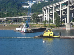 The RossIsle crosses in front of another tug