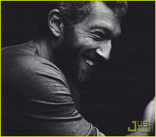 laughing-vincent-cassel