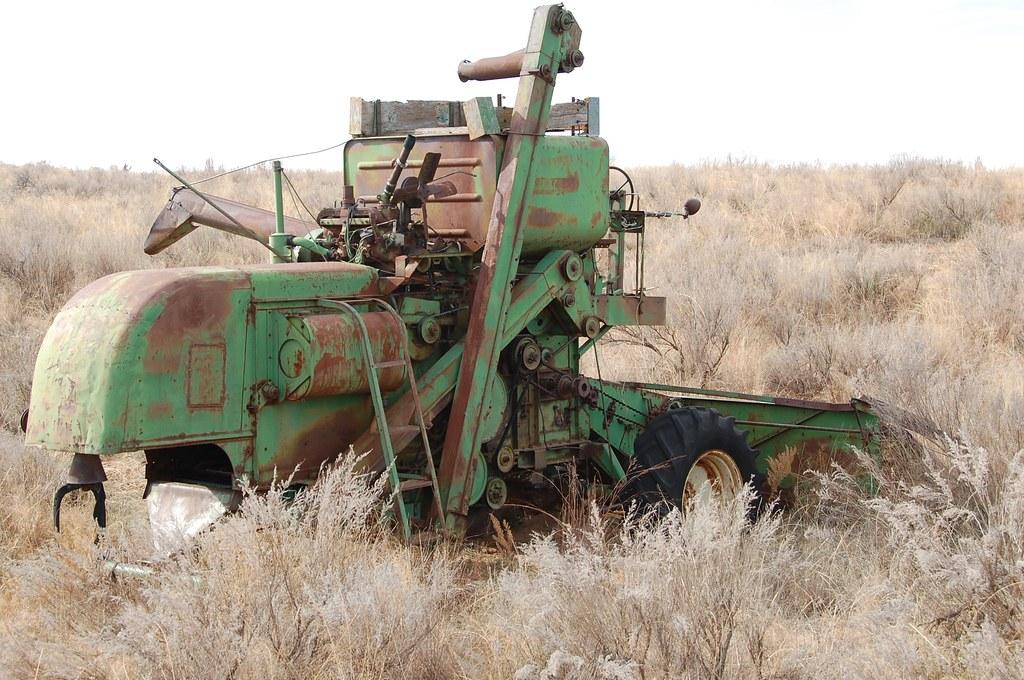 Vintage John Deere Combine 02 20101221