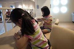 20110724-zoyo在寫筆記-1