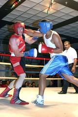 η πάλη : fight (πολεμικός / polemic)