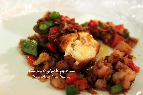 Dragon9ine stir fried tofu and prawn minced with XO sauce