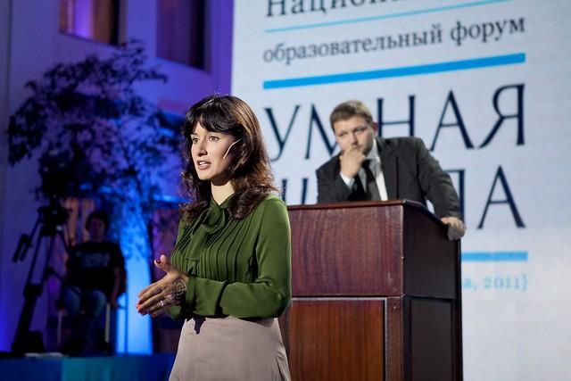 Тина Канделаки и Никита Белых на форуме Умная школа
