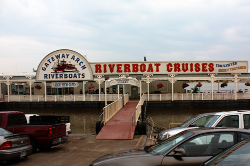 Riverboat-cruises