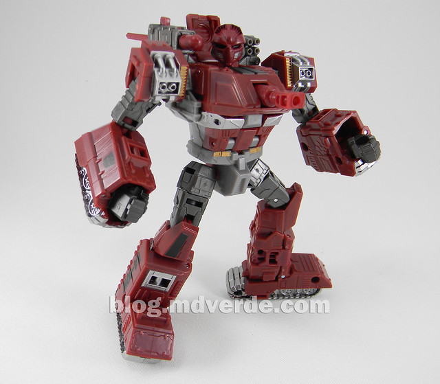 Transformers Warpath Generations Deluxe - modo robot