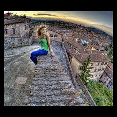 Fisheye portrait (R.o.b.e.r.t.o.) Tags: city sunset portrait italy girl model italia tramonto pg roberto perugia ritratto umbria ragazza citt modella brickandstone nikond700 sigmafisheye15mm hdr9raw