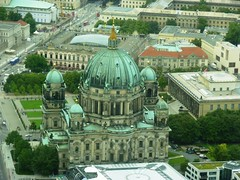 Vista aérea de la  Berliner Dom (dietadeporte) Tags: city trip travel vacation holiday building art stone museum architecture germany deutschland vacances travels holidays europa europe museu arte pierre kunst fiume eu ciudad musée unesco altar architektur alemania altesmuseum allemagne pergamonmuseum pedra berlim germania alemanha worldheritage museumsinsel berlinerdom piedra berlino berlín altenationalgalerie neuesmuseum welterbe museumisland patrimoniodelahumanidad isladelosmuseos altardepérgamo museobode îleauxmusées museoantiguo patrimoinemondialdel´humanité carlhumann galeríanacionalantigua museonuevo
