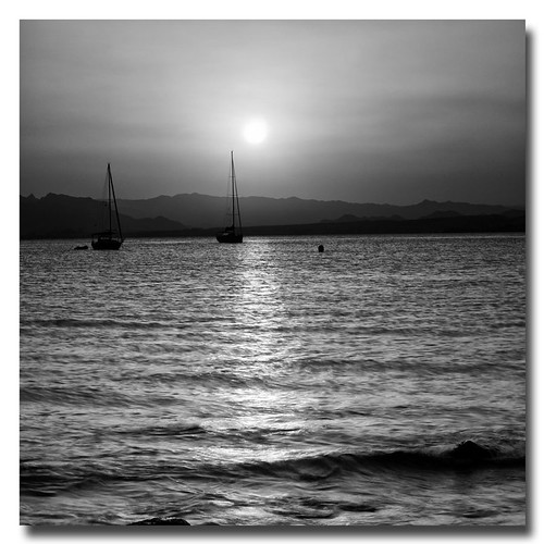 Mediterráneo (5) by Andrés Ñíguez